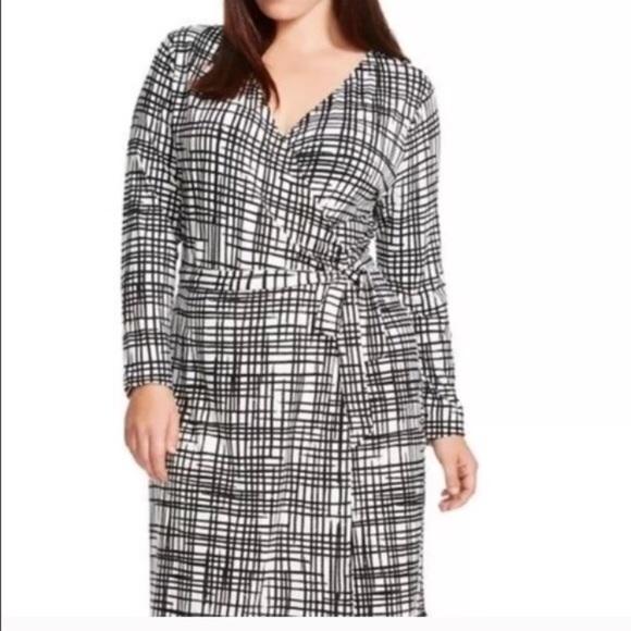 9ce53b858f5 NWOT Ava   Viv Windowpane Dress. Size 1X